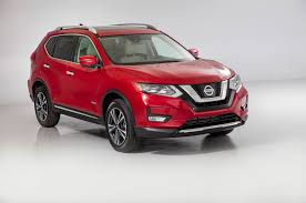 nissan indonesia nissan reveals 2017 rogue and first ever rogue hybrid at miami