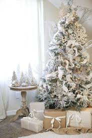 Christmas Tree With Gold Decorations 30 Dreamy Flocked Christmas Tree Decoration Ideas Christmas