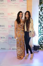 sara loren and shehla chatoor 1 musings of a fashion designer