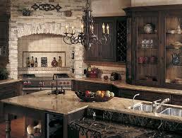 Tuscan Style Kitchen - Tuscan style backsplash