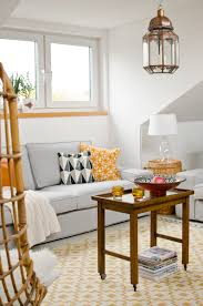 Wohnzimmer Streichen Ideen Tipps Wohnzimmer Streichen Ideen Weißes Sofa Gelb Grüne Akzente B U0026m