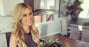 Christinaelmoussa Is That You Christina El Moussa See Her Glam New Photo Extratv Com