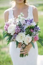 Violet Wedding Flowers - relaxed pennsylvania lodge wedding purple wedding bouquets