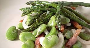 cuisiner les f钁es fraiches recettes de cuisine salade de fèves fraîches et asperges vertes
