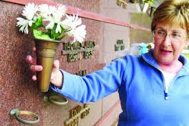 Vases Stolen From Cemetery Grave Discovery Local Mtstandard Com