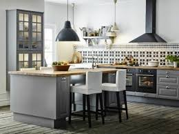 photo de cuisine avec ilot plan cuisine avec ilot central uteyo