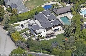matt damon s house boston matt damon puts his mansion on the market as ben affleck puts