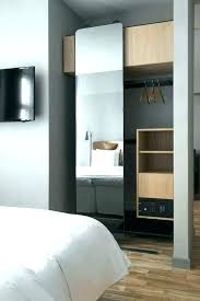 armoire chambre a coucher grande armoire chambre grande armoire de rangement pour chambre
