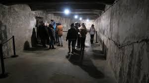chambre a gaz auschwitz 120 lycéens normands visitent auschwitz avec une rescapée vidéo