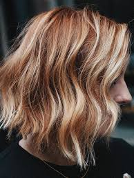 natural red hair with highlights and lowlights these natural looking highlights are the easiest way to refresh red