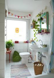 Tricks To Make A Small Bathroom Look Bigger Making A Small Bathroom Look Bigger