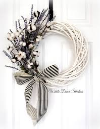 Front Door Decorations For Winter - best 25 white wreath ideas on pinterest spring wreaths spring