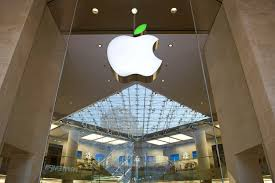 Apple Retail Jobs Apple Store Apple Almost Build Cyber Cafes Instead Fortune