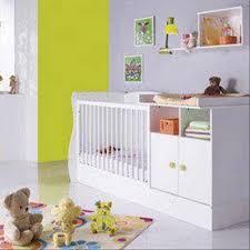 chambre a coucher bébé chambre à coucher bébé photo lit bebe evolutif