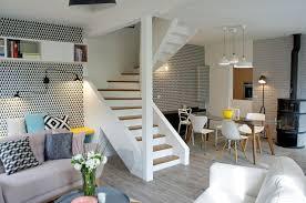 escalier entre cuisine et salon salle à manger ouverte sur le salon 8 exemples réussis côté maison