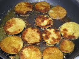 cuisiner aubergine poele beignets d aubergine et beignets de courgette pour ceux qui aiment