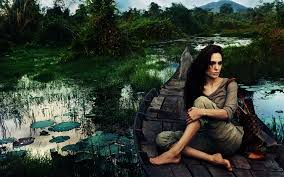 50 interesting facts about angelina jolie people boomsbeat