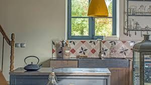 cuisine ancienne a renover comment rénover une maison ancienne madame ki