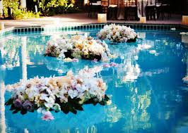 20 pool wedding decoration ideas to try on your wedding