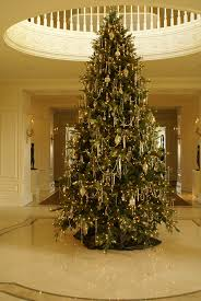 Grand Foyer 98 Best Holiday Home Decor Images On Pinterest Christmas