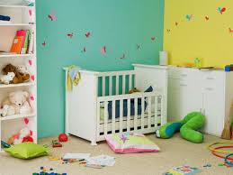 chambre b b jaune la peinture chambre bébé 70 idées sympas