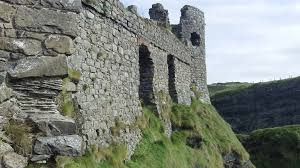 the history of dunluce castle u2013 travelling hummingbirds