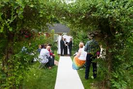 small wedding ceremony friday or saturday garden wedding 400 wedding ceremony ideas