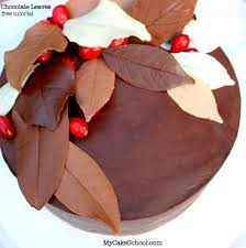 learn to make elegant chocolate leaves in this free tutorial