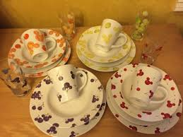 mickey mouse dinnerware gift ideas