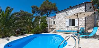 house with pool and parking in hvarbalustrade estates