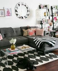 interieur et canapé déco salon un intérieur trop stylé et bohème salon gris et blanc