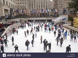 skate during the thanksgiving weekend at rockefeller