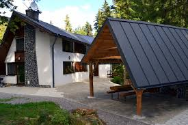 Entry Vestibule by Cottage 2 Chataslovakia