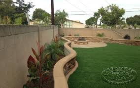 Easy Landscaping Ideas Backyard Landscape 2 Foot Stucco Fence Google Search Spanish