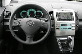 toyota corolla verso review toyota corolla on car magazine reviews ratings