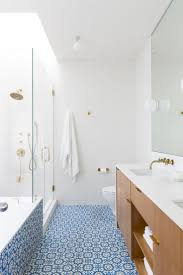 Blue And White Bathroom Ideas by Best 25 Blue Minimalist Bathrooms Ideas On Pinterest Bath Room