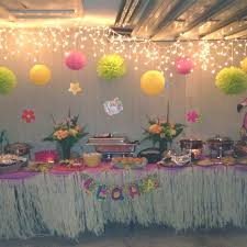 Tropical Party Themes - hawaiian decorations are an important step in any tropical theme