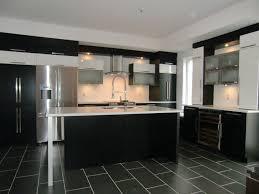 cuisine moderne ilot armoire de cuisine moderne avec ilot comptoir corian cuisine