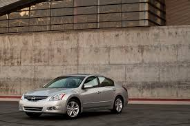 nissan altima for sale vancouver bc slick thieves ride off with a u2026dozen brand new nissans in canada