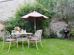 Hereford Patio Centre by Court House Ref 30756 In Hay On Wye Herefordshire Cottages Com