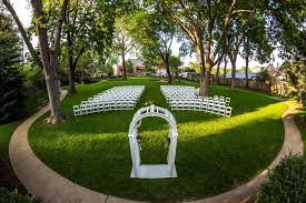 outdoor wedding venues omaha the thompson center venue omaha ne weddingwire
