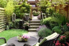 kleiner garten gestalten landhaus terrasse gestalten wohnpalast magazin