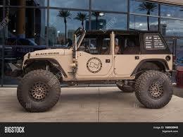 sema jeep 2016 las vegas nv usa november 1 2016 image u0026 photo bigstock