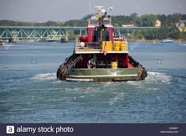tugboat river stock photos u0026 tugboat river stock images alamy