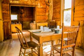 file garnet ghost town dining room table jpg wikimedia commons