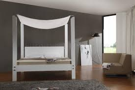 Modern Canopy Bed Frame White Finish Modern Canopy Bed W Glossy Headboard Frame