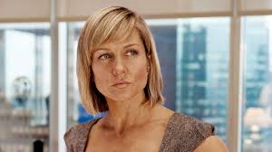 back view of amy carlson hair erin callan played by amy carlson on too big to fail hbo