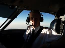 share your story ian taggart flybe dash 8 q400 pilot