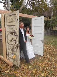 30 rustic old door wedding decoration ideas country weddings