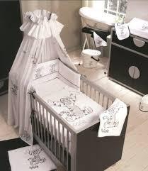 chambre bébé bourriquet rideaux chambre bebe winnie lourson idées de décoration capreol us